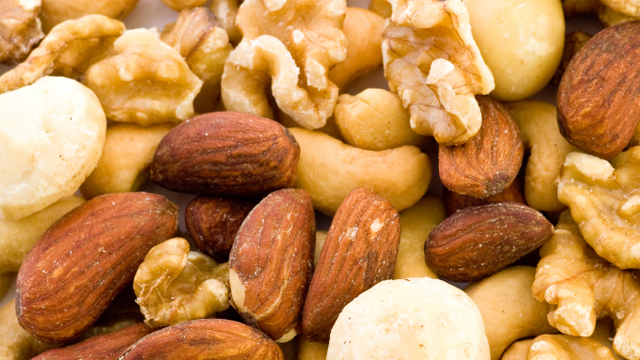 Nüsse – Nahrung fürs Hirn und für Sportler