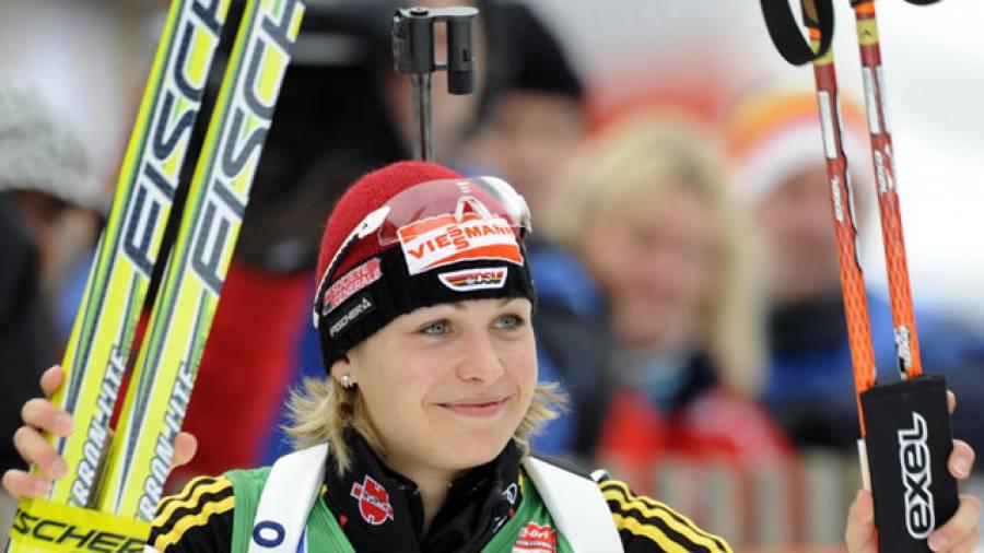 Biathlon 7,5 km Sprint der Damen: Anastazia Kuzmina gewinnt Gold