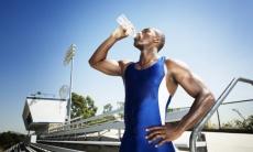Flüssigkeitshaushalt: Auch beim Trinken entscheidet das Timing